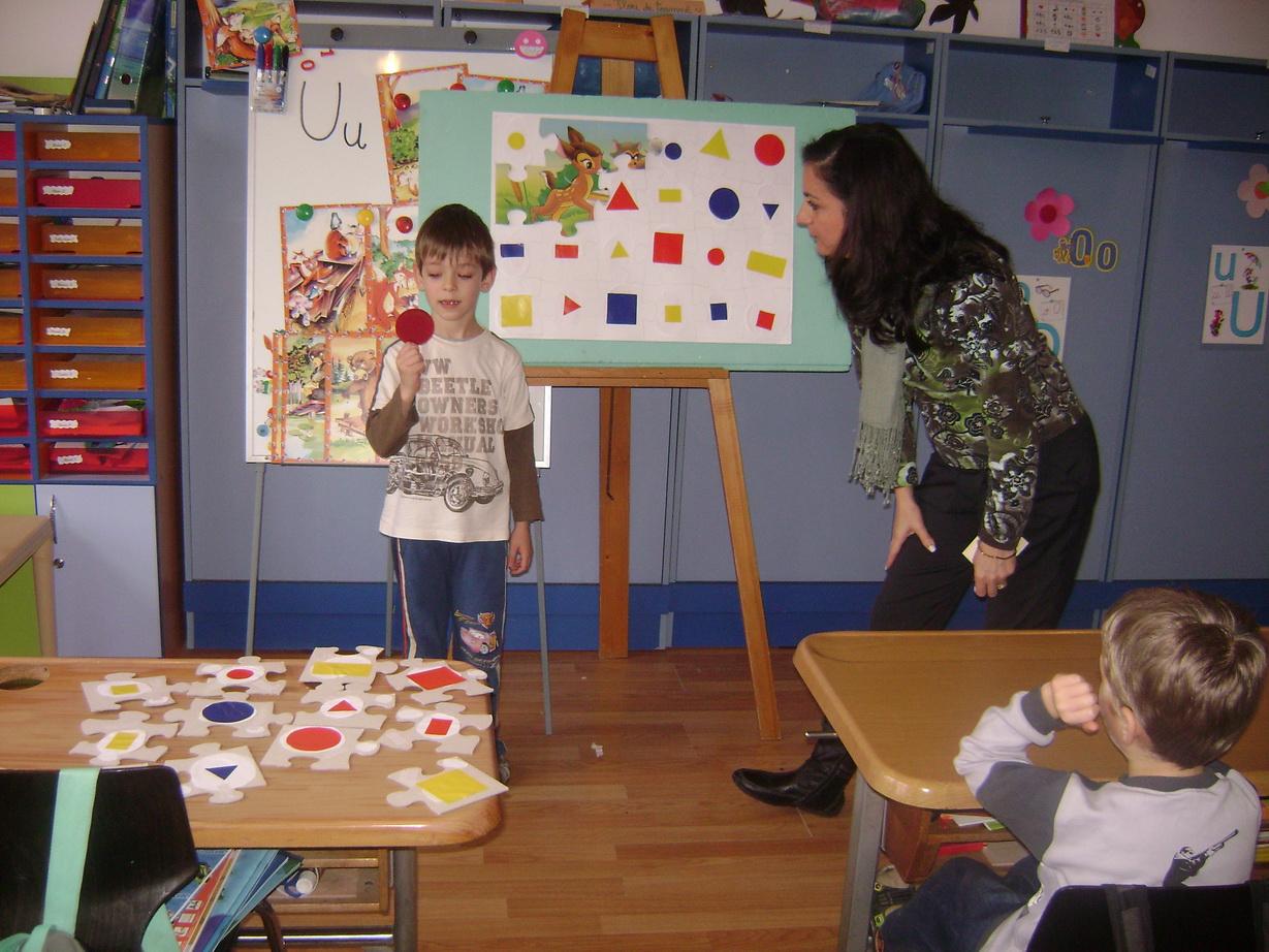 Activitate matematică – Joc cu formele geometrice