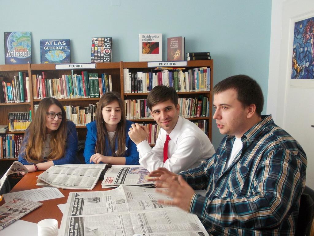 Tinerii, leadershipul și media